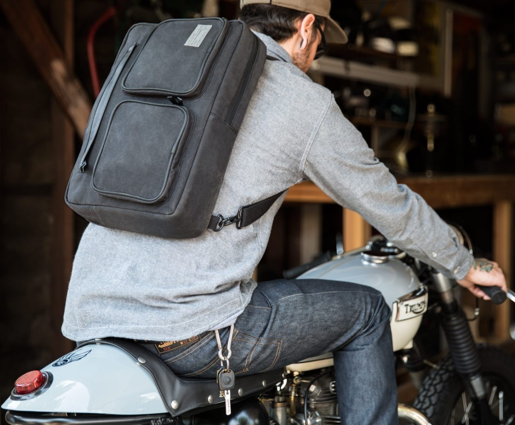 supply-15-convertible-laptop-briefcase-lifestyle