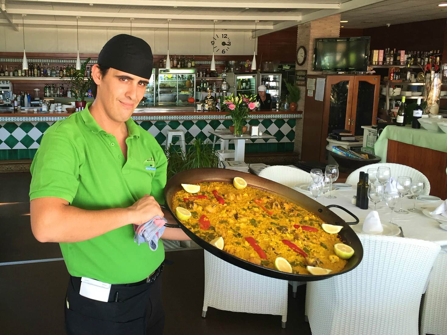 Paella for lunch at Ulia © Tom Stainer / Lonely Planet