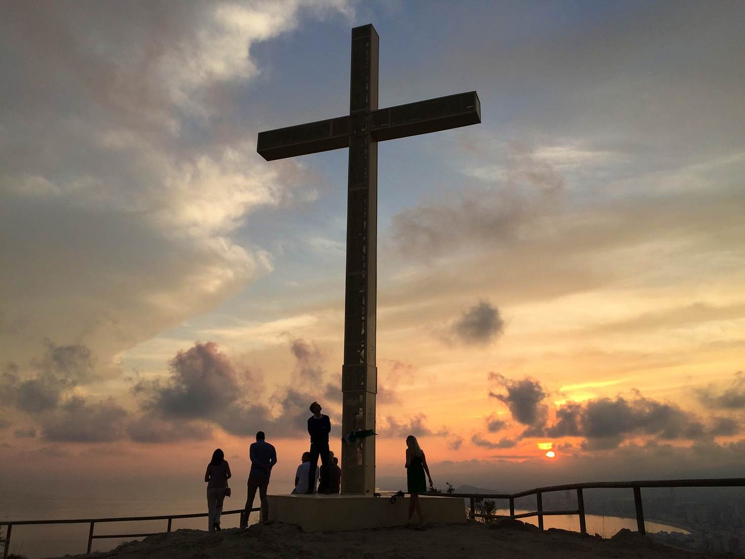 Sunset at the Cross of Benidorm © Tom Stainer / Lonely Planet