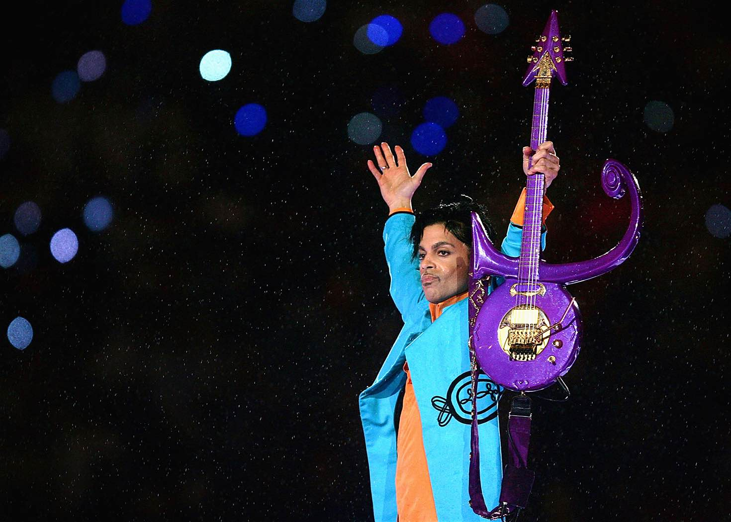 Prince performs at Super Bowl XL © Jonathan Daniel / Getty Images