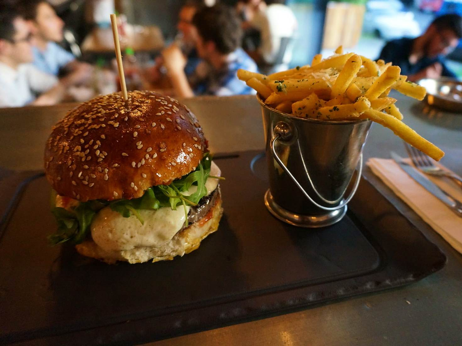 Vivo Fusion Food Bar puts burgers on the foodie map © Monica Suma / Lonely Planet