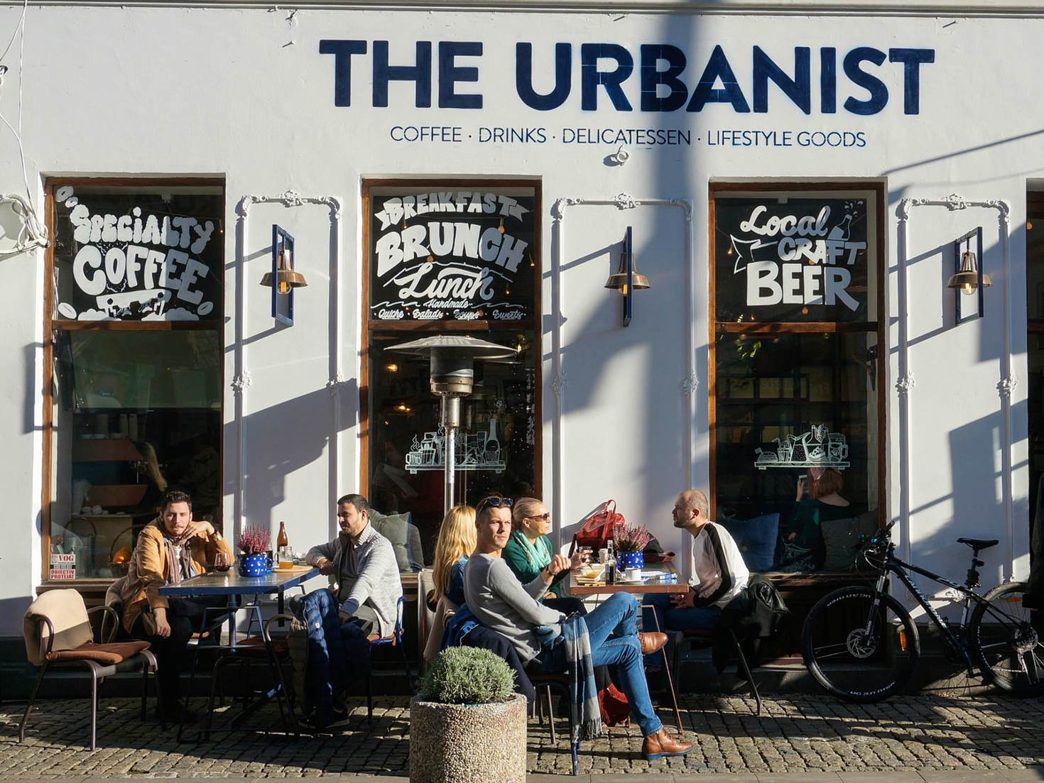 The Old Town's URBN Supply Co has a good selection of craft beer © Monica Suma / Lonely Planet