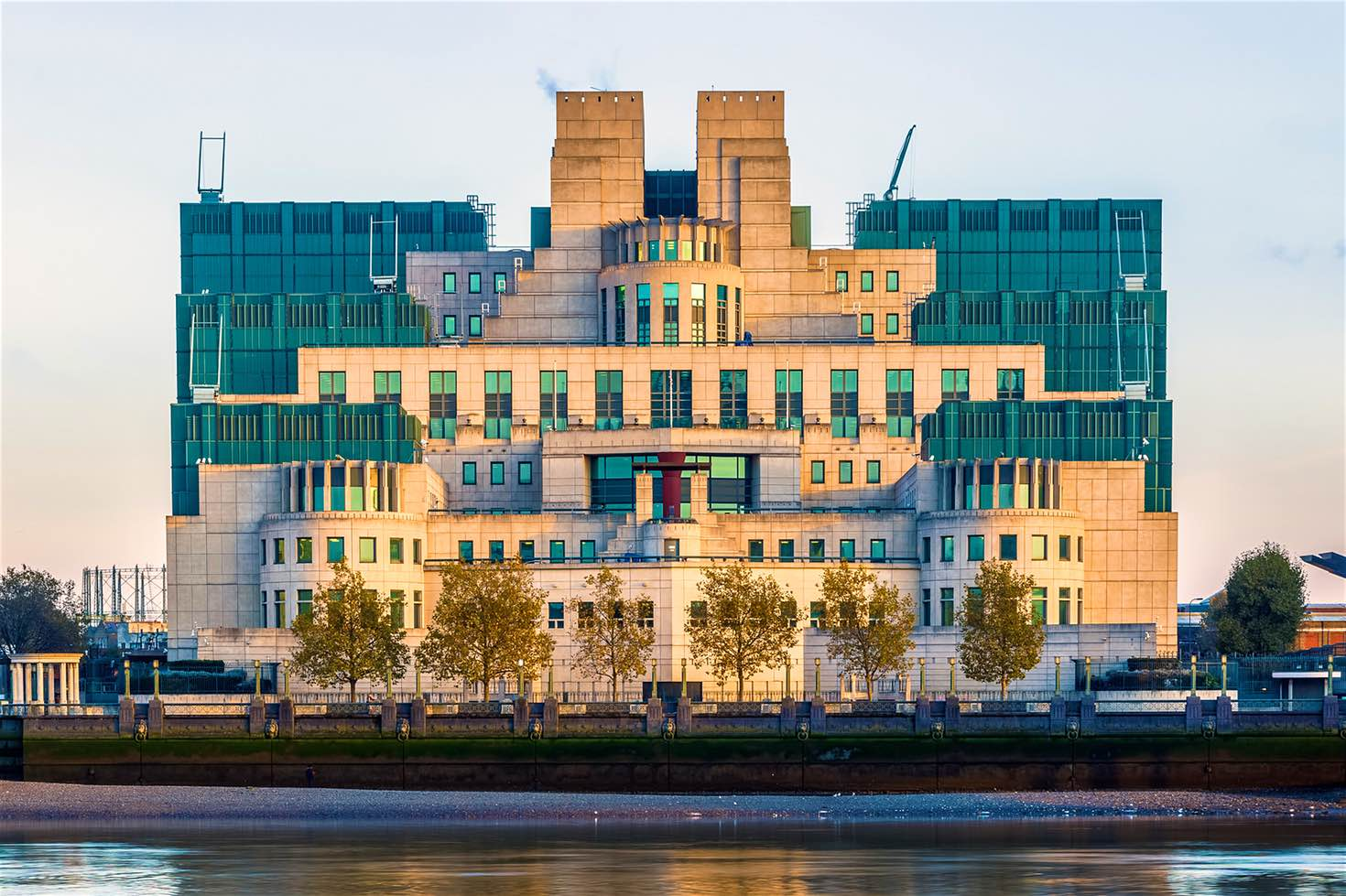 MI6 building, London © VictorHuang / Getty Images